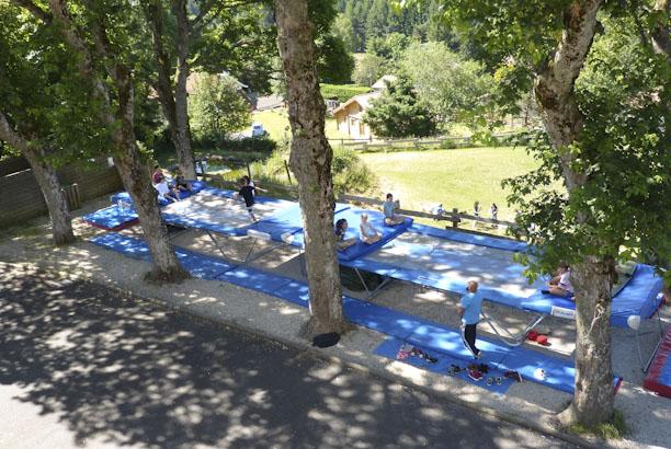 Vacances pour tous colonie de vacances cirque et trampoline - Trampoline saint etienne ...